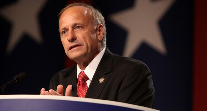 Rep. Steve King: Americans Should 'Surround White House' If Obama Gives Blanket Amnesty