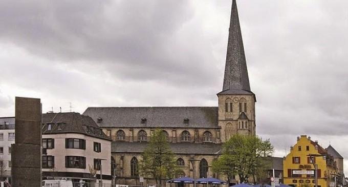 Gang of Muslims Storm Christian Church During Service, Shouting Profanities, Vandalize Nativity Scene