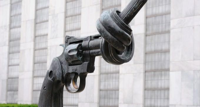 "UN Demands ""Urgent Measures"" on Gun Control After Charleston Shootings"