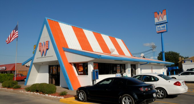 Whataburger Employee Refuses Service to Cops