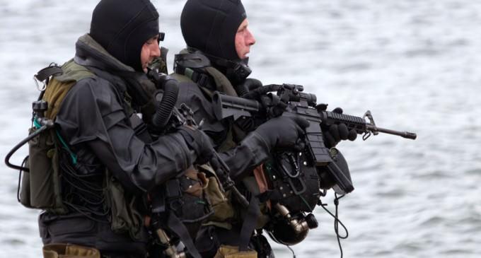 Navy Pressured to Allow Women into Seals