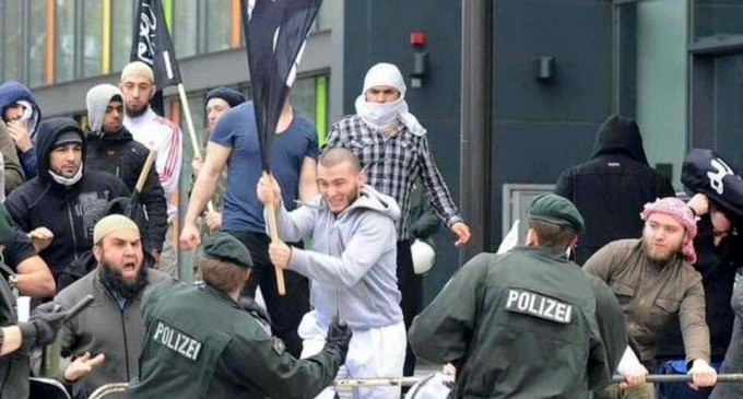NYT: Germany Should Mass Deport Migrants