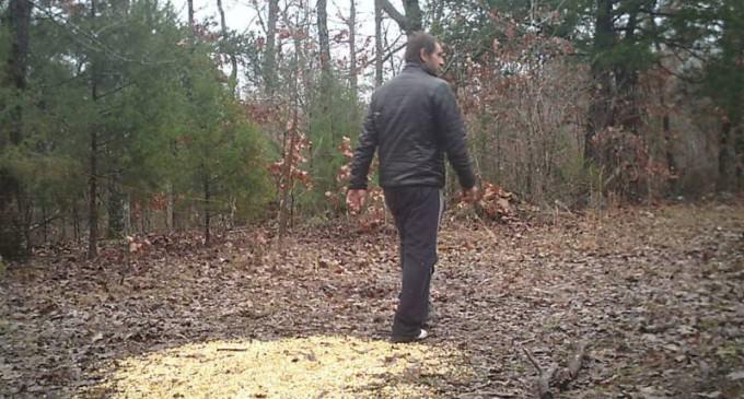 Missouri: Suspicious Figure, Bulk Cell-Phone Purchases, Explosives Found