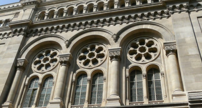 Jewish Synagogue Attacked in Paris