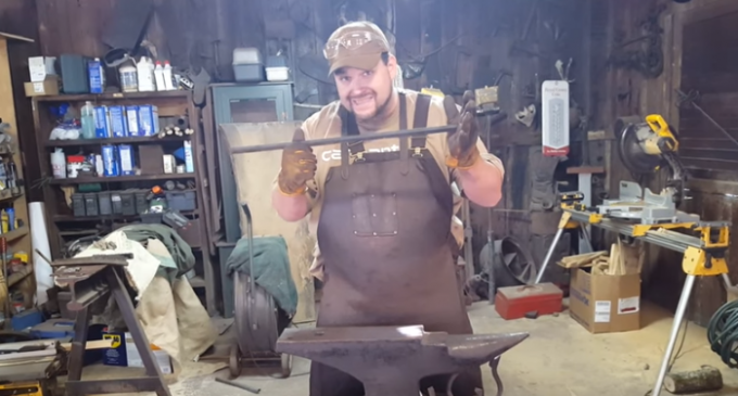 Iron Worker Attempts to Debunk Alternate 9/11 Theories