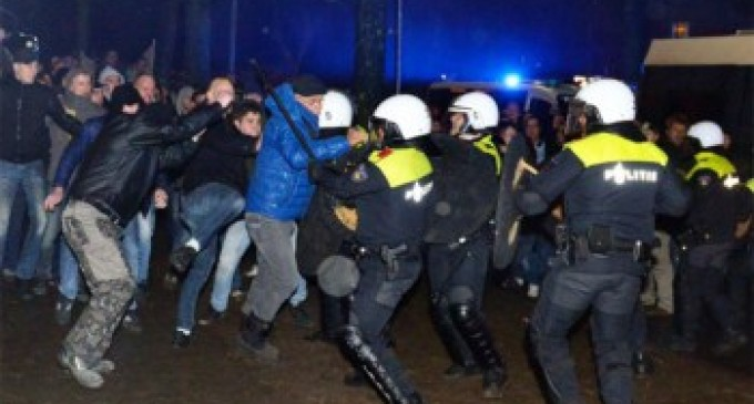 """1,000 Villagers Storm Dutch Town Hall in Anti-Migrant Protest, We Must """"Protect our women"""""""
