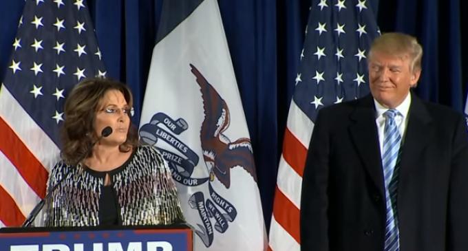 Sarah Palin Endorses Donald Trump Before Iowa Primary