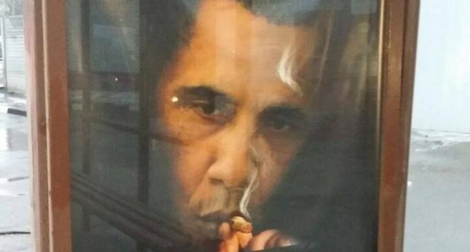 Moscow Poster: 'Smoking kills more people than Obama'