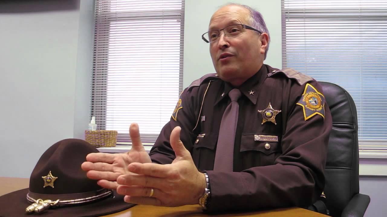sheriff defies