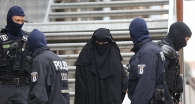 Berlin 'Lost to Arab Clans', Actively Recruiting 'Physically Strong Young Migrants'