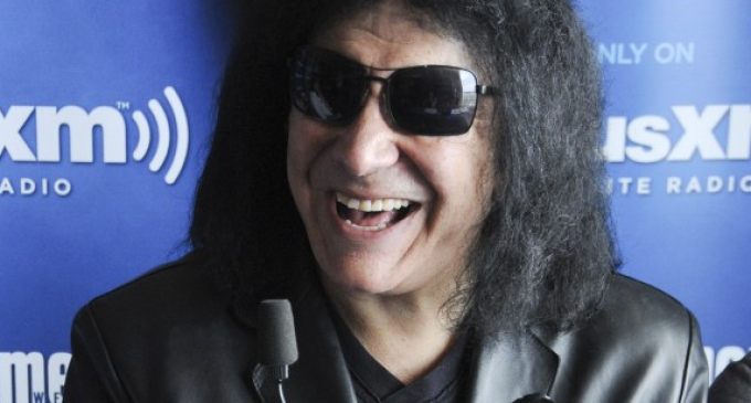 """Gene Simmons: Donald Trump is """"not there to be your friend"""""""