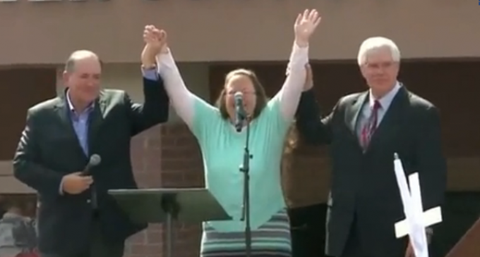 Kim Davis Wins Same-Sex Marriage License Battle