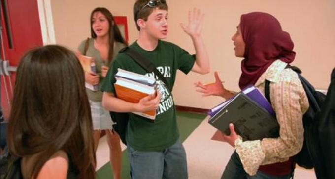 The Shocking Manner American Schools Treat Christians Compared to Muslims