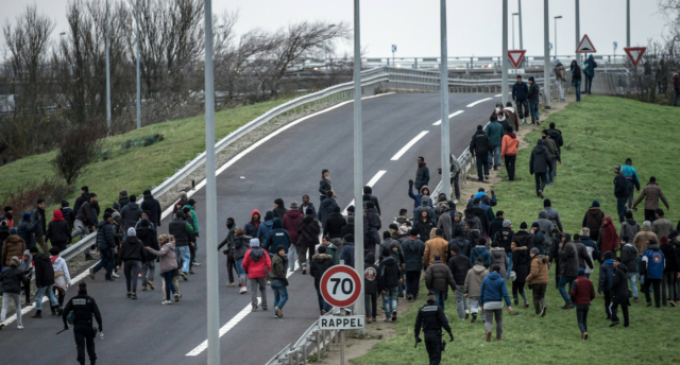 """Calais Engulfed in Chaos as Migrants Block Roads, Riot and Destroy Cars While Shouting """"F*ck UK"""""""