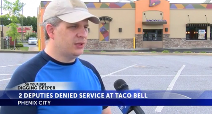 Taco Bell Employee Refuses to Serve Police