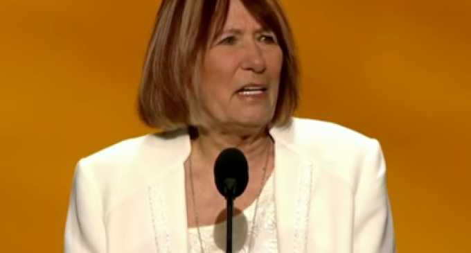 """Mother Benghazi Victim says """"Hillary Deserves to be in Stripes"""" in Very Emotional Speech"""