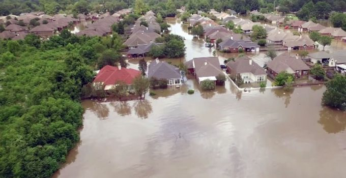 Ex-FEMA Chief: Obama 'Botched' Louisiana Flood Response