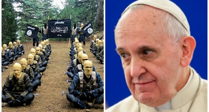 ISIS Responds to Pope Francis: We're in a Religious War, and We Hate You