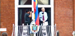 Police Took Their Sweet Time Getting to Ecuadorian Embassy Where Assange is Living Amid Break-In