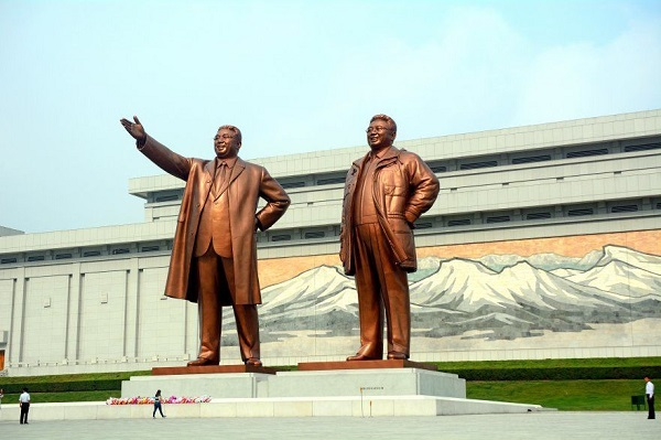 north-korea-the-most-respected-monument-of-the-late-leaders-881x587