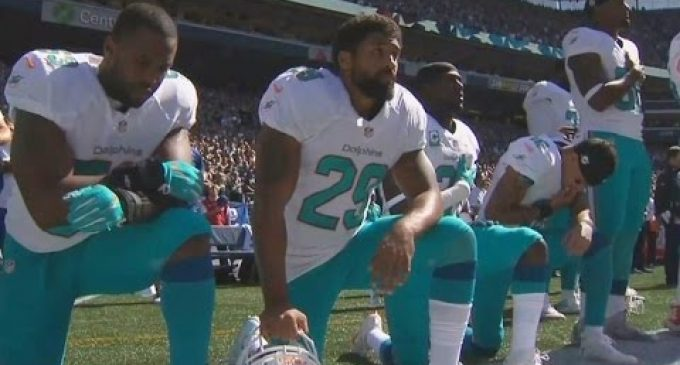 """New House Bill to End """"Corporate Welfare"""" for the NFL"""