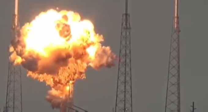 Newly Released Raw Footage of SpaceX Rocket Explosion Generate 2 Conspiracy Theories