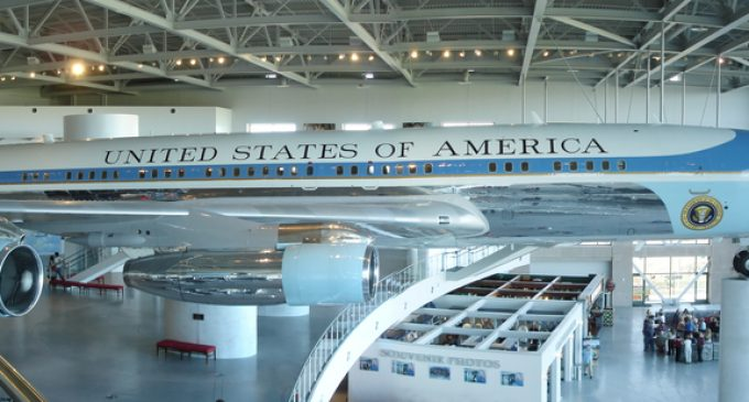 Boeing Blinks, Promises To Build Air Force One for Under $4 Billion
