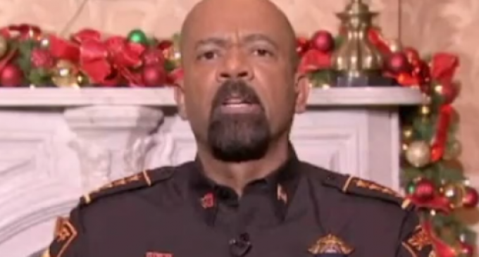Sheriff Clarke: Obama Rubbed White People's Nose in Slavery for 8 Years
