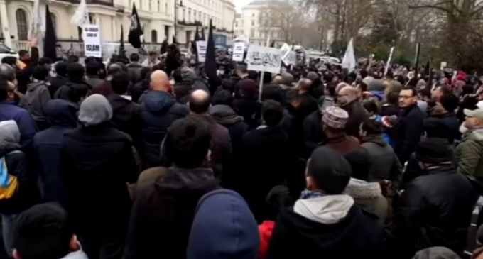 """British Muslims Chant: """"USA Soon You'll Pay. Caliphate is On Its Way"""""""