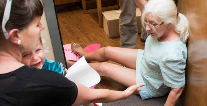 liberals_protest_elderly_injured