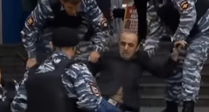 See How Russian Authorities Handle Migrants