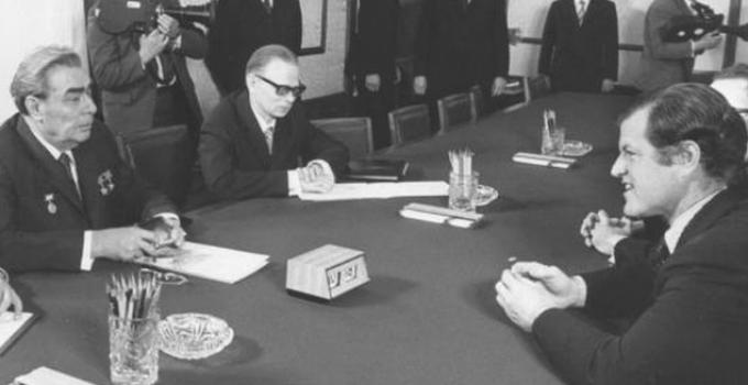 ted_kennedy_Brezhnev