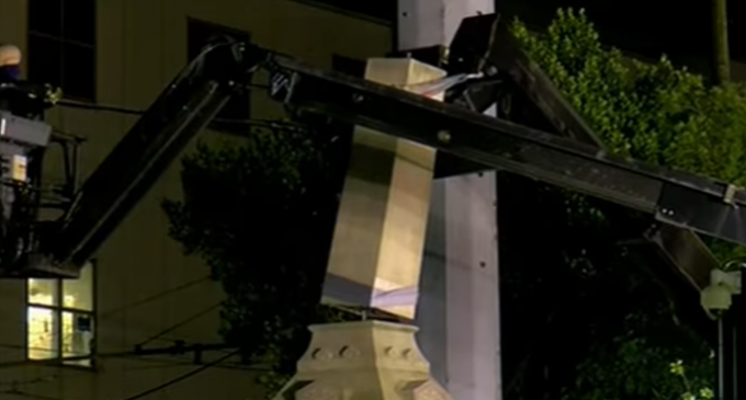 New Orleans Removes Confederate Monuments