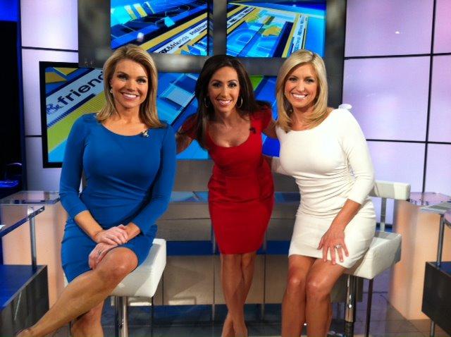 Fox News Hot Anchords Jen Carfagno Green Dress