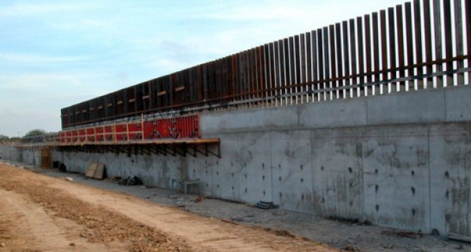 White House: Spending Bill Includes Funds for Border Wall