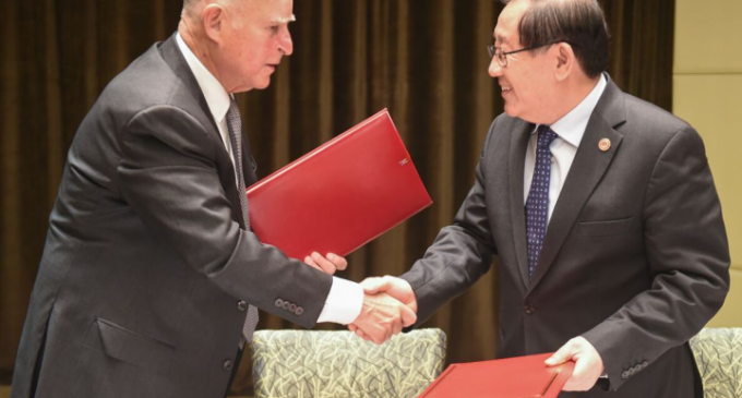 Governor Brown Plays President, Signs Climate Agreement with China