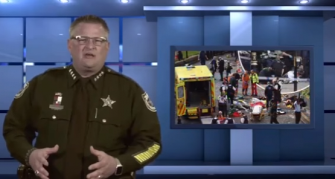 """""""It's a War"""": Florida Sheriff Urges Citizens to Arm Themselves"""