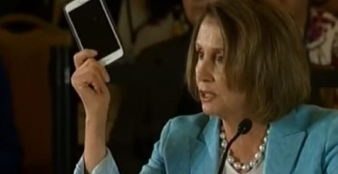 nancy-pelosi-cell-phone-730x480