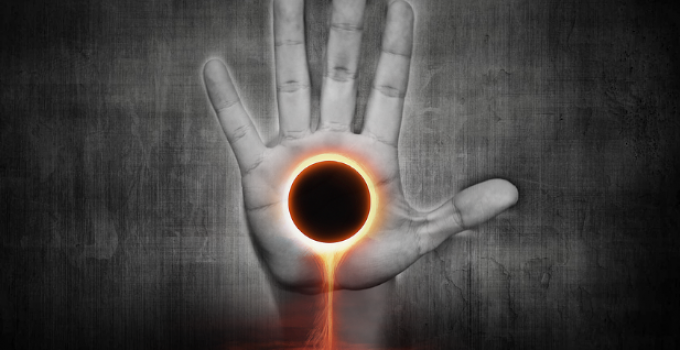 surreal_eclipse_in_hand