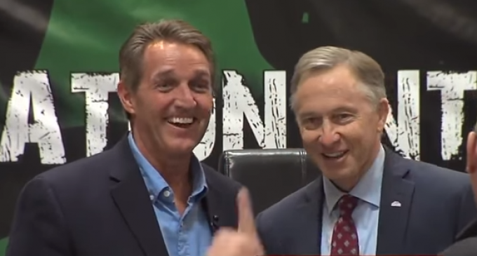 """Sen. Flake and Mayor Giles on Hot Mic About Trump:  """"What an Idiot This Guy Is"""""""