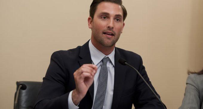California Bill Seeks to Fine Wait Staff $1,000 for Offering Customers Plastic Straws