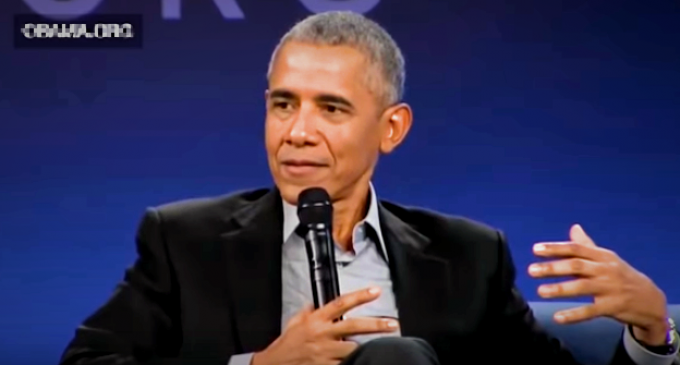 Obama: Trump Failing to Handle Issues Because of 'Racism,' 'Mommy Issues'