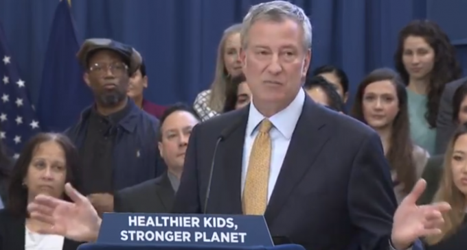 "De Blasio Announces ""Meatless Mondays"" to Reduce Greenhouse Gas Emissions"