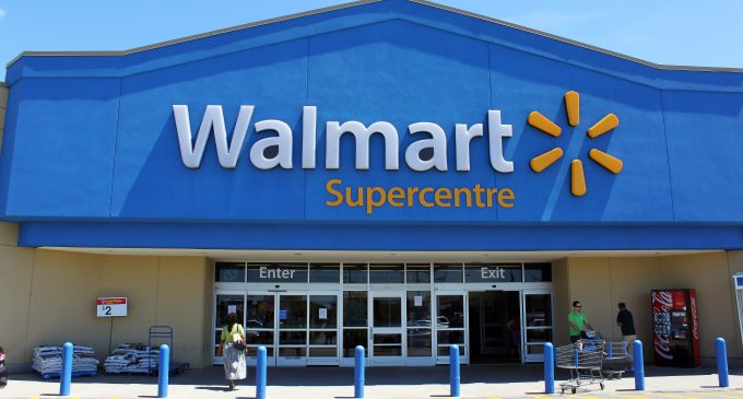 Walmart Bans Open Carry, Pushes White House for Gun Control