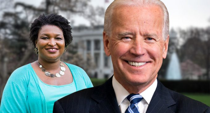 Stacey Abrams Just Can't Stop Photobombing the Democrats