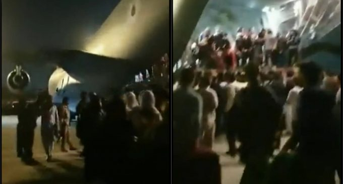 """100s of US Citizens Scramble Aboard C-17 as Taliban Set to Declare """"Islamic Emirate Of Afghanistan"""""""