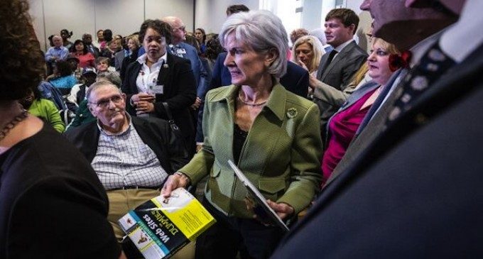 Kathleen Sebelius gets a much-needed gift in Tennessee