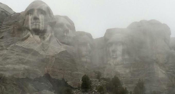 Viral Image: Mt. Rushmore weeping after shutdown