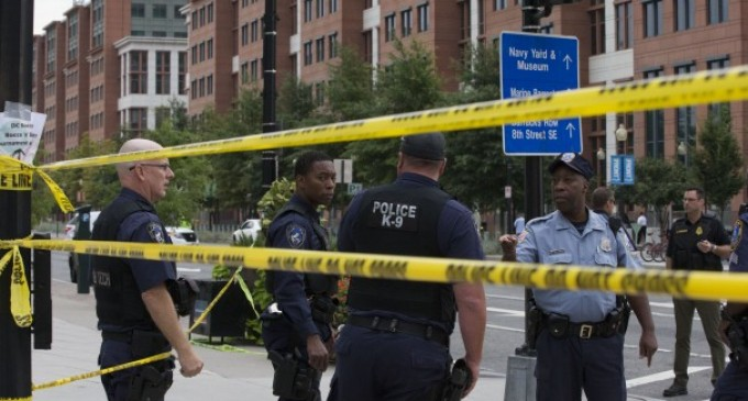 2 shooters open fire at Navy Yard in Washington, killing at least 4