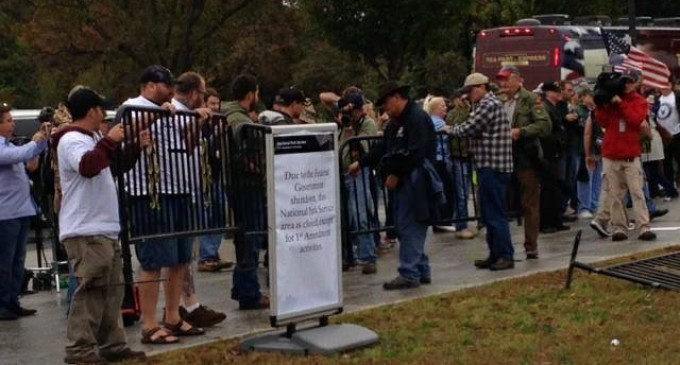 US Truckers and the Million Vet March remove barricades at memorial